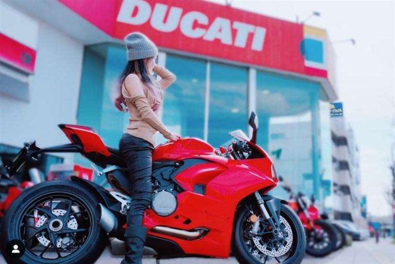 ぱるぱる,バイク女子,年齢